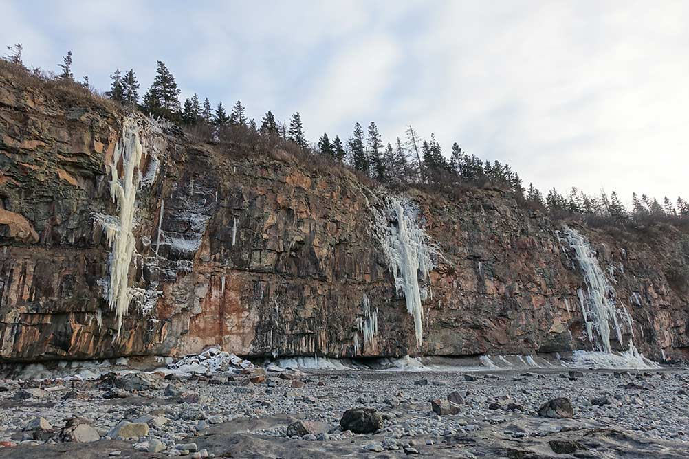 Spectacular Moderate Mixed Routes In The Bay Of Fundy